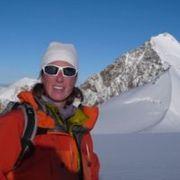 sandra-c-Agence multi-activités montagne-portrait-1