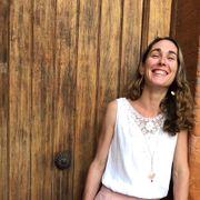 julia-b-Agence de séjours Yoga-portrait