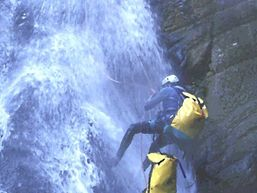 marco-r-Moniteur Canyoning et Escalade-5