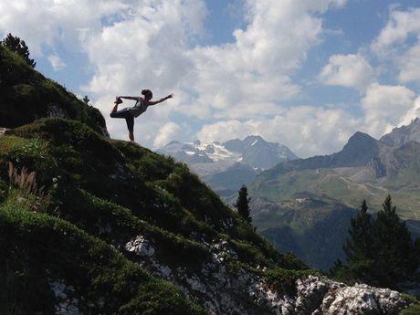 Marche et Yoga Alpes Charlotte Sigwalt