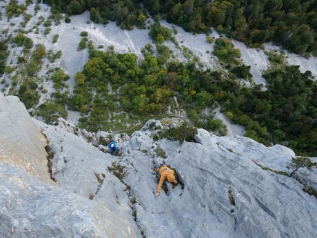 Terrain d'aventure en calcaire