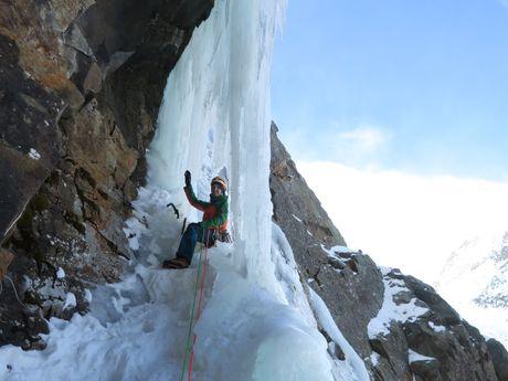 Cascade de glace dans les Ecrins