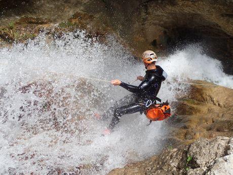 Perfectionnement au canyoning