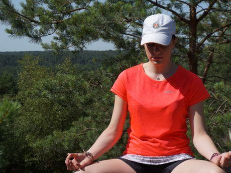 alizee-l-Professeur de Yoga