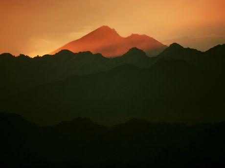 Volcan Rinjani vu des îles Gili