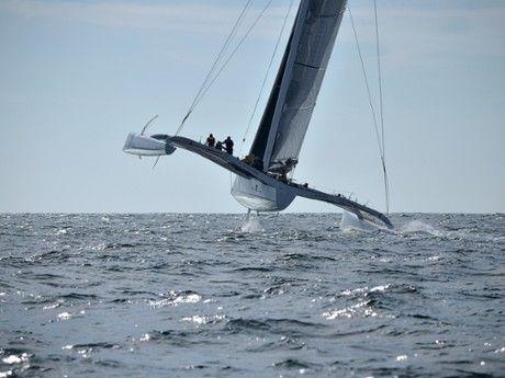 Naviguez à bord d'un trimaran de course au large