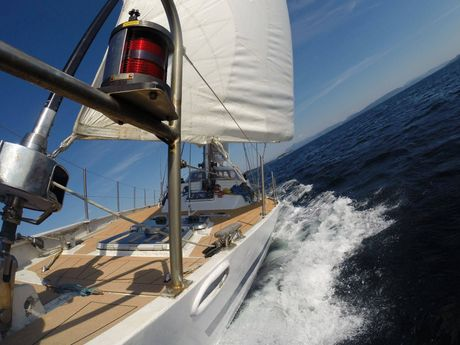 Le voilier en pleine navigation