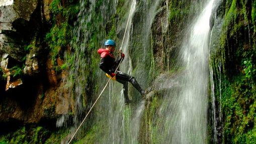 Canyon spécial rappel dans les cascades de Biaguin-1