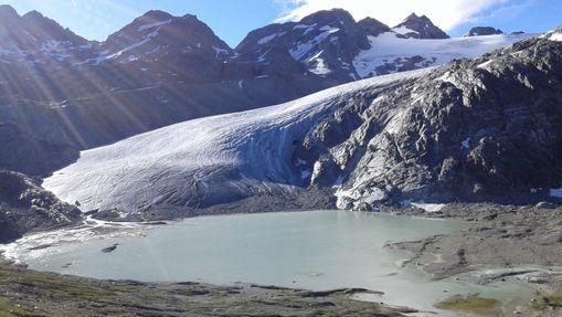 Cascades, lacs et glacier du Ruitor-1