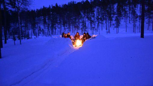 Raid en chien de traîneau sur le lac Inari