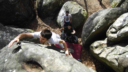 cours escalade sur les blocs de Fontainebleau