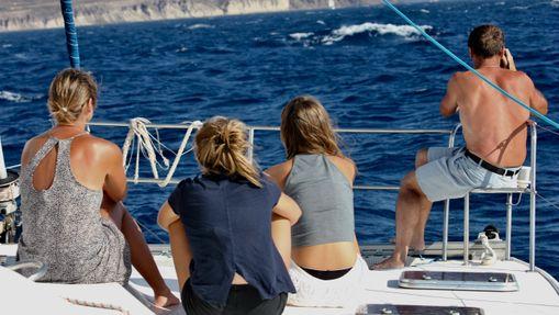Croisière en catamaran avec skipper et hotesse