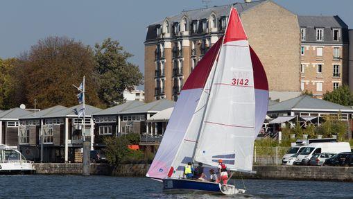 Perfectionnement voile : SB20 sur la Seine-2