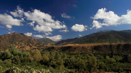 Trek dans les montagnes rouges d'Ourika