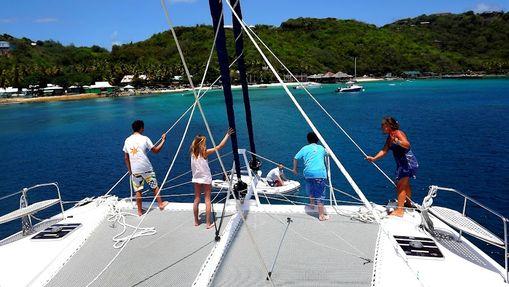 Croisière cabine LAG 620 Grenadines avec hôtesse