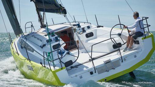 Naviguez sur le dernier RM jusqu'aux Canaries