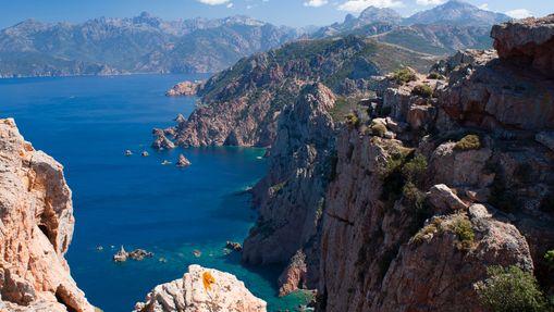 Croisière catamaran en Corse Nord avec hôtesse