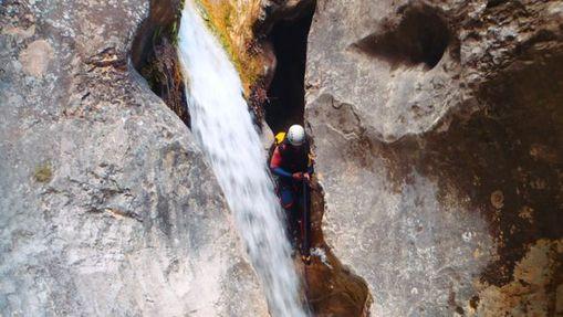 yann-a-Moniteur Canyoning et Escalade-1