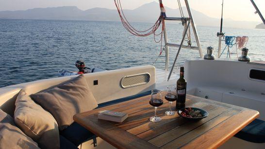 Les Cyclades en croisière catamaran - Avec hôtesse