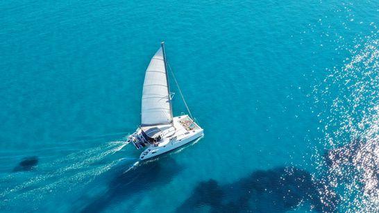 Croisière privée dans les Cyclades - catamaran 38'