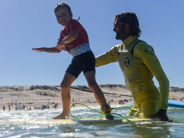 Cours de surf enfants (de 5 à 8ans)-1