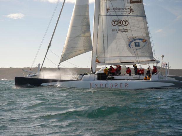 Journée sur un maxi-catamaran de course légendaire