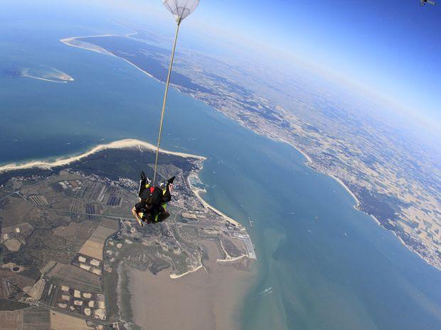 Saut en parachute tandem 3000m-1