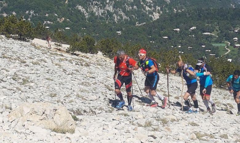 Courir sur les pentes du Mont Ventoux-1