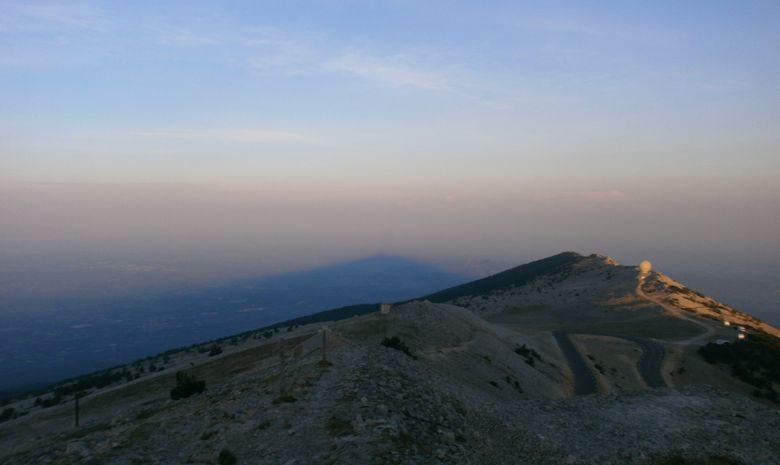 Lever de soleil au sommet du Mont Ventoux-2