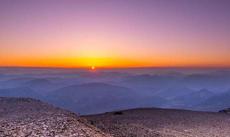 Lever de soleil au sommet du Mont Ventoux-11