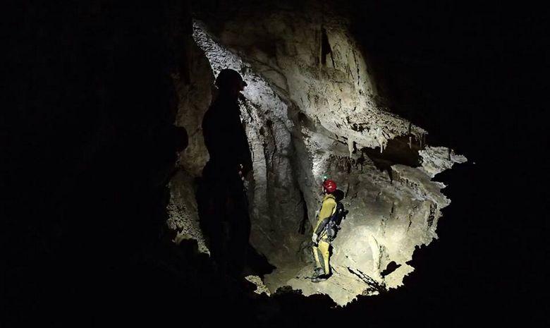 Spéléo découverte dans les Hautes-Pyrénées-3