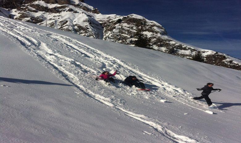 Raquette ou ski de rando tous ensemble à la pause -5