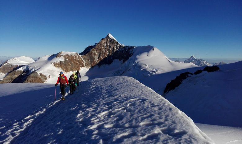 Collection de 4000 dans le massif du Mont Rose -2