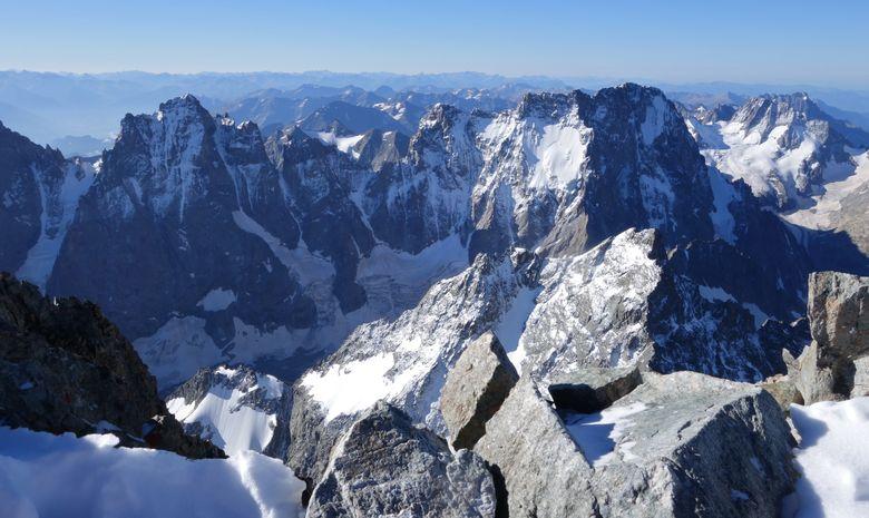 Ascension de la Barre des Ecrins 4102 m.-4