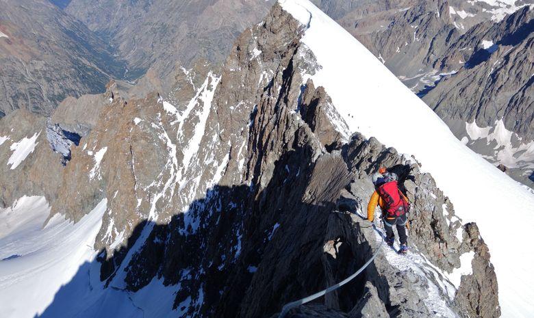 Ascension de la Barre des Ecrins 4102 m.-5