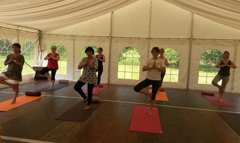 Stage de yoga dans un château de la Sarthe-2