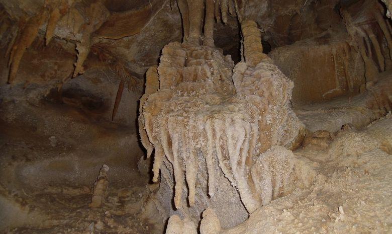 Grotte de la Marie Jeanne-1