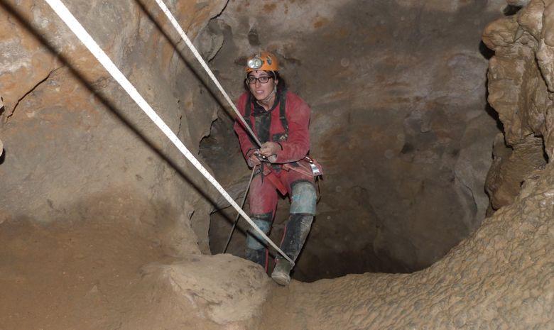Grotte de la Marie-Jeanne Traversée-3