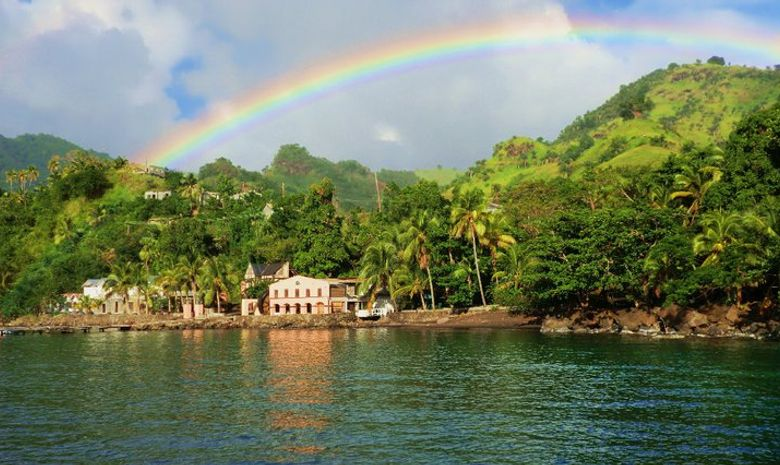 Croisière cabine LAG 470 Grenadines avec hôtesse