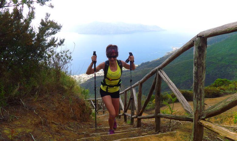 Trail sur les îles volcaniques de Sicile