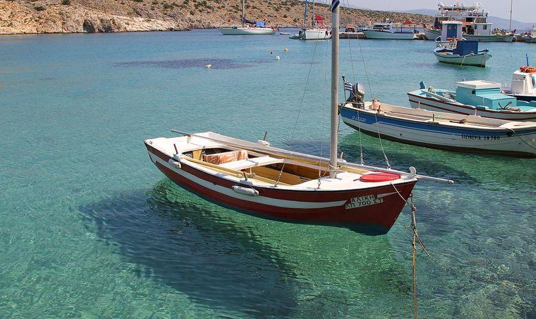 Croisière entre terre & mer à travers les Cyclades