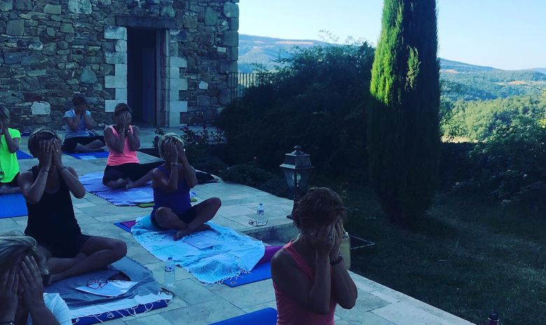 Stage yoga & ayurvéda dans une abbaye du Lubéron