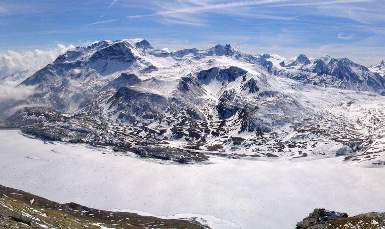 Raquettes sur l'immense lac gelé du Mont-Cenis-6