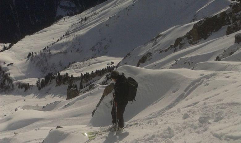 Ski de couloir dans le Massif du Chablais-1