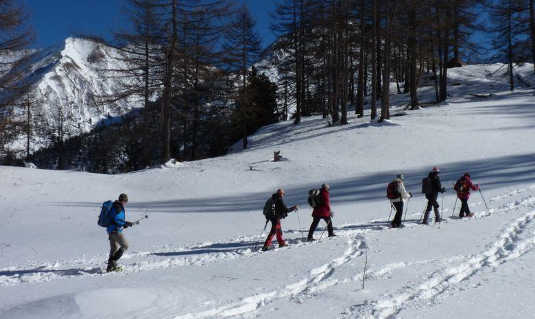 Champs de neige raquettes Queyras