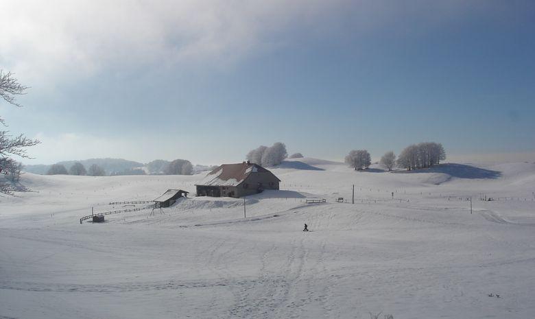 Refuge de montagne situé dans le Jura
