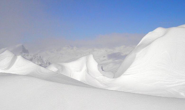Massif des Alpes enneigé