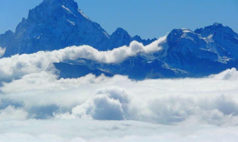 Les Alpes au-dessus des nuages