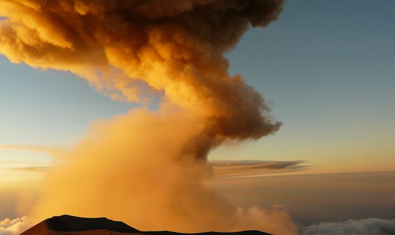 Cratère actif du Mt Semeru