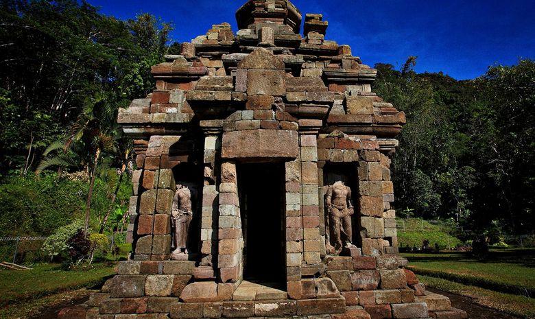 Temple bouddhiste de Selogriyo, près de Borobudur